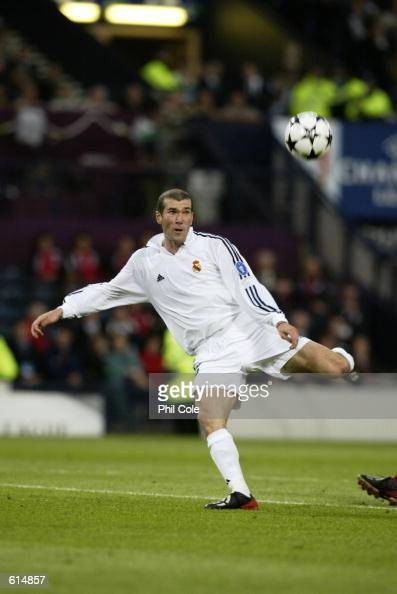 Zinedine Zidane of Real Madrid keeps his eye on the ball as he scores a wonderful goal during the UEFA Champions League Final between Real Madrid and...