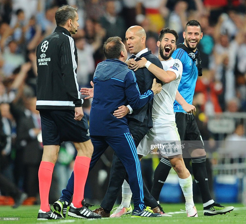 Zinedine Zidane the head coach of Real Madrid celebrates following his team's 1-0 victory during the UEFA Champions League semi final, second leg match between Real Madrid and Manchester City FC at Estadio Santiago Bernabeu on May 4, 2016 in Madrid, Spain.