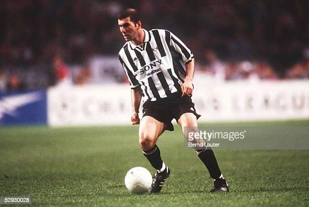 2 9497 Zinedine ZIDANE/Juventus Turin