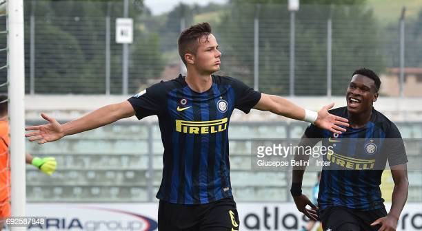 Zinho Vanheusden of FC Internazionale celebrates after scoring the opening goal during the Primavera TIM Playoffs match between FC Internazionale and...