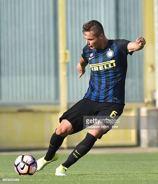 Zinho Vanheusden of FC Internazionale in action during the Primavera TIM Playoffs match between FC Internazionale and AC Chievo Verona on June 5 2017...