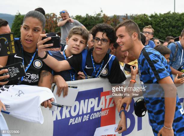 Zinho Vanheusden of FC Internazionale takes a selfie for fans after the FC Internazionale training session on July 9 2017 in Reischach near Bruneck...