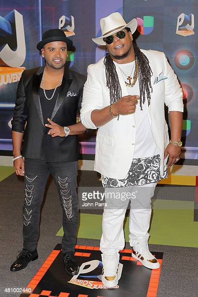 Zion and Lennox attend Univision's Premios Juventud 2015 at Bank United Center on July 16 2015 in Miami Florida