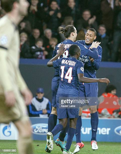 Zlatan Ibrahimovic Guillaume Hoarau and Blaise Matuidi of Paris SaintGermain celebrate a goal of Guillaume Hoarau during the UEFA Champions League...