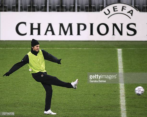 Zlatan Ibrahimovic is seen in action during the Inter Milan training session at the Allianz Arena on December 4 2006 in Munich Germany Bayern Munich...