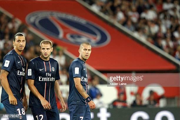 Zlatan Ibrahimovic Mathieu Bodmer and Jeremy Menez of Paris SaintGermain during the French Ligue 1 between Paris Saint Germain and Lorient FC at Parc...