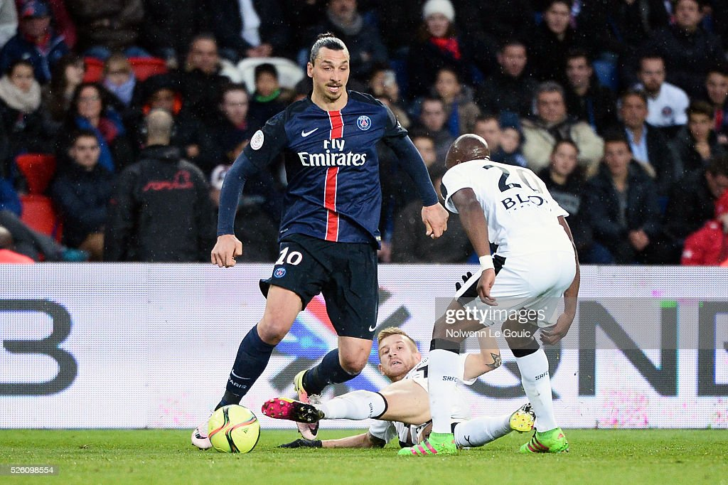 Zlatan IBRAHIMOVIC of PSG against Yacouba SYLLA of Rennes during the French Ligue 1 match between Paris Saint Germain PSG and Stade Rennais at Parc des Princes on April 29, 2016 in Paris, France.