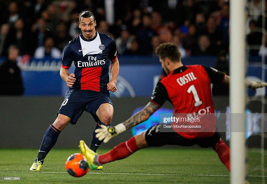 Zlatan Ibrahimovic of PSG sees his shot saved by goalkeeper Benoit Costil of Rennais during the Ligue 1 match between Paris SaintGermain FC and Stade...