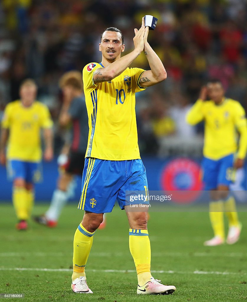 Zlatan Ibrahimovic of Sweden applauds the fans after defeat in the UEFA EURO 2016 Group E match between Sweden and Belgium at Allianz Riviera Stadium on June 22, 2016 in Nice, France.