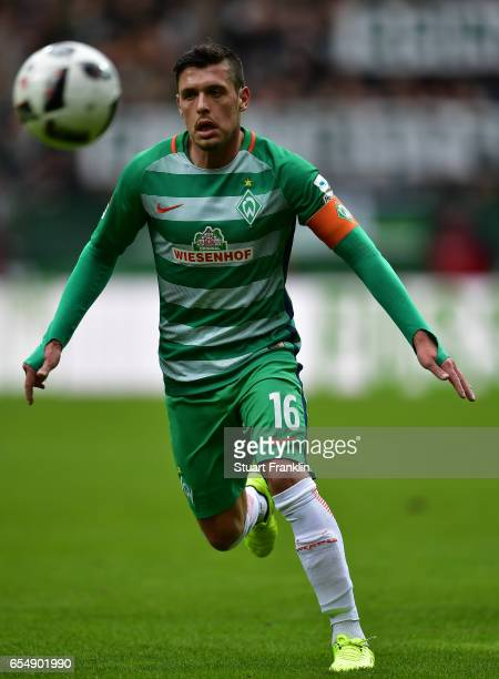 Zlatko Junuzovic of Bremen in action during the Bundesliga match between Werder Bremen and RB Leipzig at Weserstadion on March 18 2017 in Bremen...