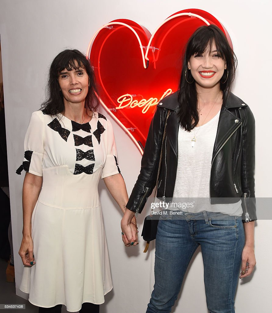 Zoe Grace and <a gi-track='captionPersonalityLinkClicked' href=/galleries/search?phrase=Daisy+Lowe&family=editorial&specificpeople=787647 ng-click='$event.stopPropagation()'>Daisy Lowe</a> attends a private view of 'Art Electric', a collaboration between artists Zoe Grace and John Morrissey, at Lawrence Alkin Gallery on May 26, 2016 in London, England.