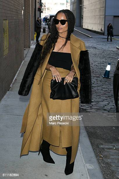 Zoe Kravitz arrives to attend the 'Calvin Klein' fashion show on February 18 2016 in New York City