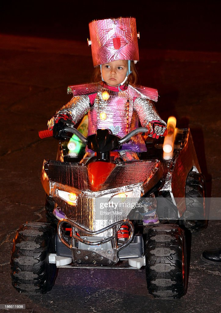 Zoe McAnulty, 3, of Nevada attends the fourth annual Las Vegas Halloween Parade on October 31, 2013 in Las Vegas, Nevada.