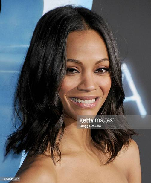 Zoe Saldana arrives at the 'Avatar' Los Angeles Premiere at the Grauman's Chinese Theater on December 16 2009 in Hollywood California