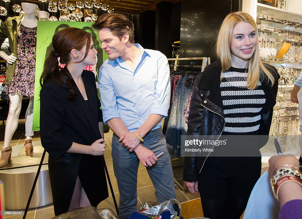 <a gi-track='captionPersonalityLinkClicked' href=/galleries/search?phrase=Zoey+Deutch&family=editorial&specificpeople=4951672 ng-click='$event.stopPropagation()'>Zoey Deutch</a> and Dominic Sherwood and Lucy Fry chat with fans at an Express store at Westfield San Francisco Centre on January 31, 2014 in San Francisco, California.