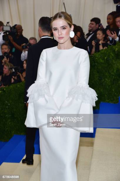 Zoey Deutch arrives at 'Rei Kawakubo/Comme des Garcons Art Of The InBetween' Costume Institute Gala at The Metropolitan Museum on May 1 2017 in New...