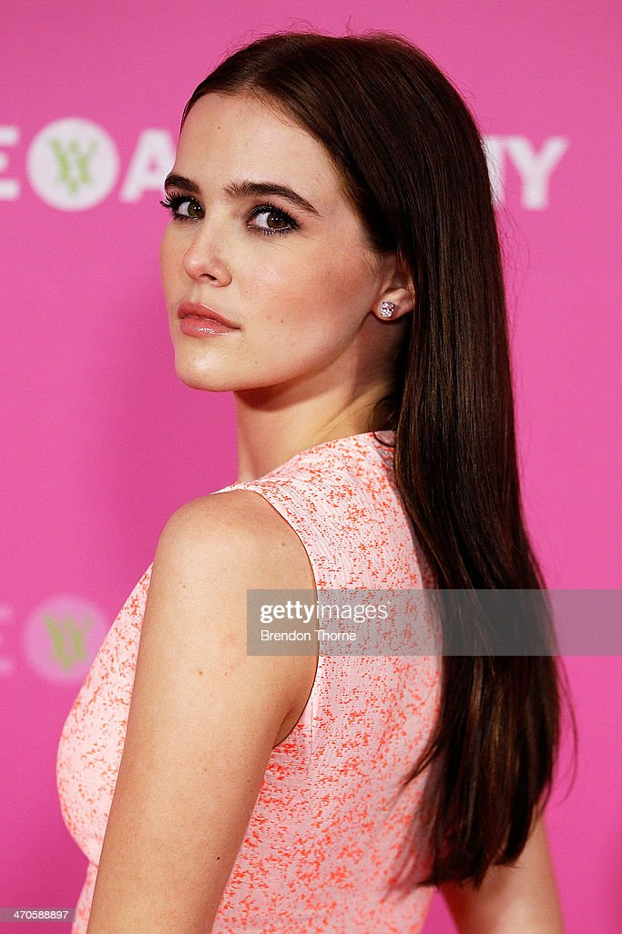 <a gi-track='captionPersonalityLinkClicked' href=/galleries/search?phrase=Zoey+Deutch&family=editorial&specificpeople=4951672 ng-click='$event.stopPropagation()'>Zoey Deutch</a> arrives at the 'Vampire Academy' premiere at Event Cinemas George Street on February 20, 2014 in Sydney, Australia.
