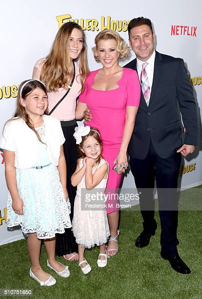 Zoie Laurel May Herpin guest Beatrix Carlin SweetinCoyle actress Jodie Sweetin and Justin Hodak attend the premiere of Netflix's 'Fuller House' at...