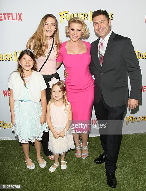 Zoie Laurel May Herpin guest Beatrix Carlin SweetinCoyle actress Jodie Sweetin and Justin Hodak attend the premiere of Netflix's 'Fuller House' on...