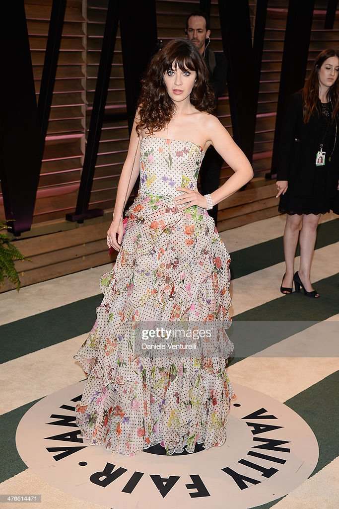 Zooey Deschanel arrives at the 2014 Vanity Fair Oscar Party Hosted By Graydon Carter on March 2, 2014 in West Hollywood, California.