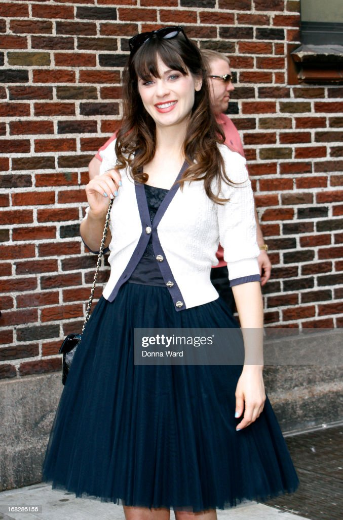 <a gi-track='captionPersonalityLinkClicked' href=/galleries/search?phrase=Zooey+Deschanel&family=editorial&specificpeople=202927 ng-click='$event.stopPropagation()'>Zooey Deschanel</a> arrives for the 'Late Show with David Letterman' at Ed Sullivan Theater on May 7, 2013 in New York City.