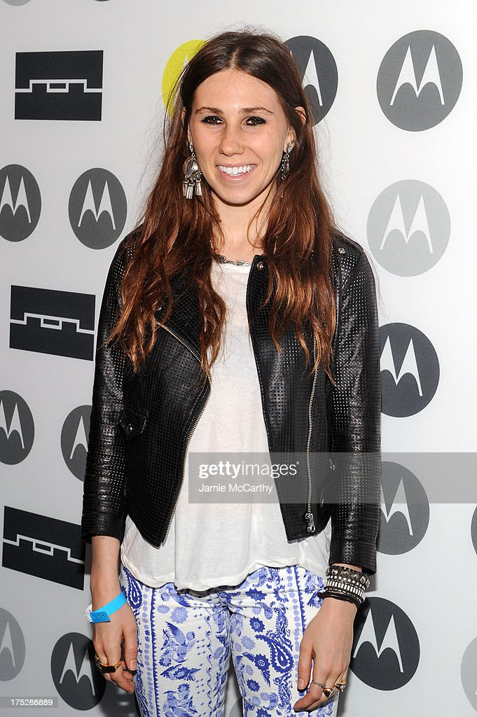 <a gi-track='captionPersonalityLinkClicked' href=/galleries/search?phrase=Zosia+Mamet&family=editorial&specificpeople=7439328 ng-click='$event.stopPropagation()'>Zosia Mamet</a> attends Moto X Launch Event on August 1, 2013 in New York City.