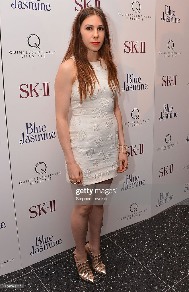 <a gi-track='captionPersonalityLinkClicked' href=/galleries/search?phrase=Zosia+Mamet&family=editorial&specificpeople=7439328 ng-click='$event.stopPropagation()'>Zosia Mamet</a> attends the 'Blue Jasmine' New York Premiere at MOMA on July 22, 2013 in New York City.