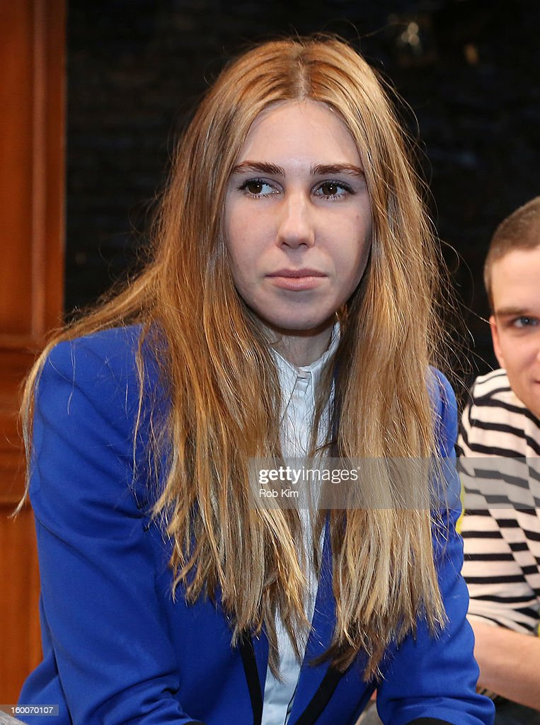 Zosia Mamet attends the 'Really Really' cast photo call at Lucille Lortel Theatre on January 25, 2013 in New York City.