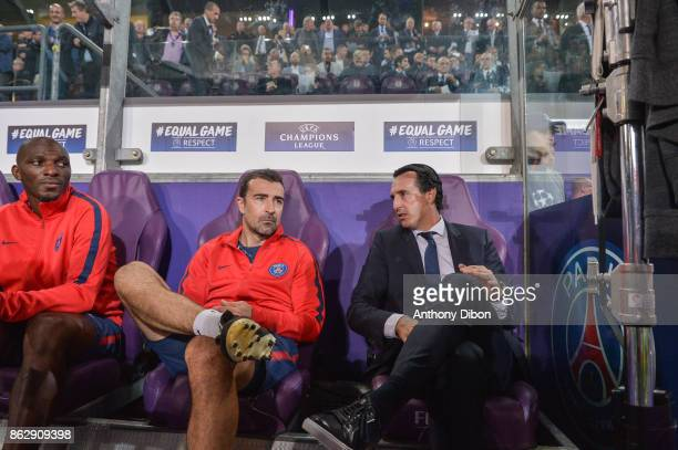 Zoumana Camara Juan Carlos Carcedo assistant coach and Unai Emery coach of PSG during the UEFA Champions League match between RSC Anderlecht and...