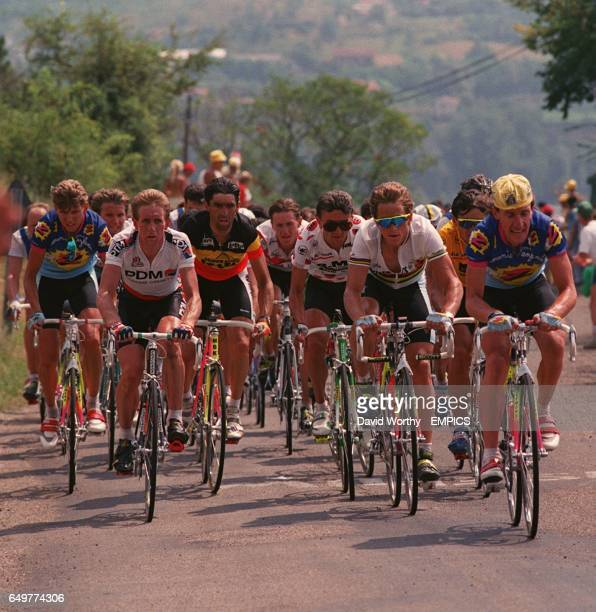 Zteam's Robert Millar paces his team leader Greg Lemond up the Causse noir ascent Claudio Chiapucci Rudy Dhahens and Claude Cricillion follow