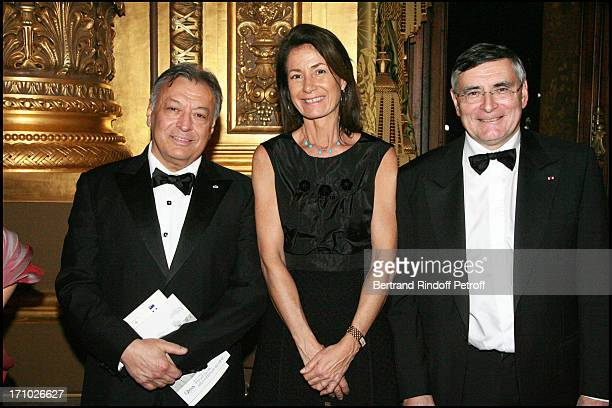 Zubin Mehta Mrs Thierry Breton and Jean Louis Beffa Gala for the 'Dan David' awards ceremony at the Garnier opera with the ballet by Roland Petit...