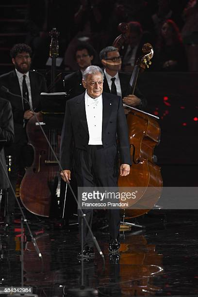 Zubin Metha performs at Bocelli and Zanetti Night on May 25 2016 in Rho Italy