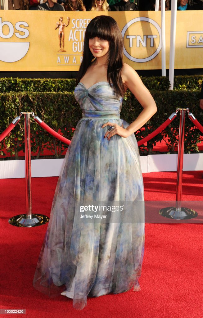 Zuleikha Robinson arrives at the 19th Annual Screen Actors Guild Awards at the Shrine Auditorium on January 27, 2013 in Los Angeles, California.