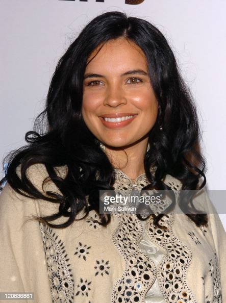 Zuleikha Robinson during 2004 AFI Film Festival William Shakespeare's 'The Merchant of Venice' Arrivals at Cinerama Dome in Hollywood California...