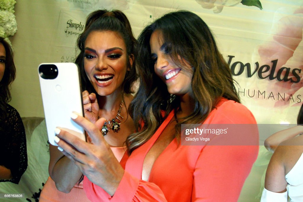 Zuleyka Rivera and Gaby Espino shares a good moment during TV y Novelas, 'Divinas y Humanas' Special Edition celebration on March 22, 2017 in San Juan, Puerto Rico.
