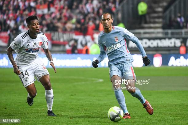 Zungu Bongani of Amiens and Fabinho of Monaco during the Ligue 1 match between Amiens SC and AS Monaco at Stade de la Licorne on November 17 2017 in...