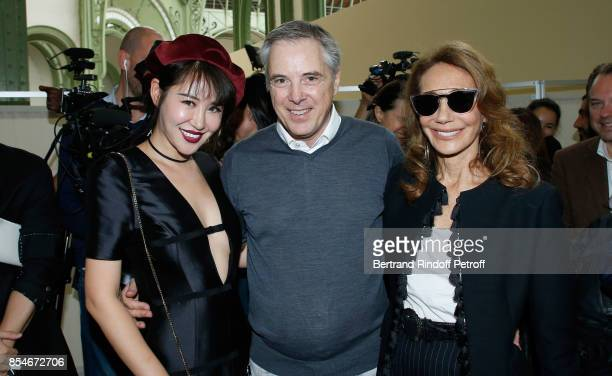 Zuo An Xiao Stylist Olivier Lapidus and Marisa Berenson pose Backstage after the Lanvin show as part of the Paris Fashion Week Womenswear...
