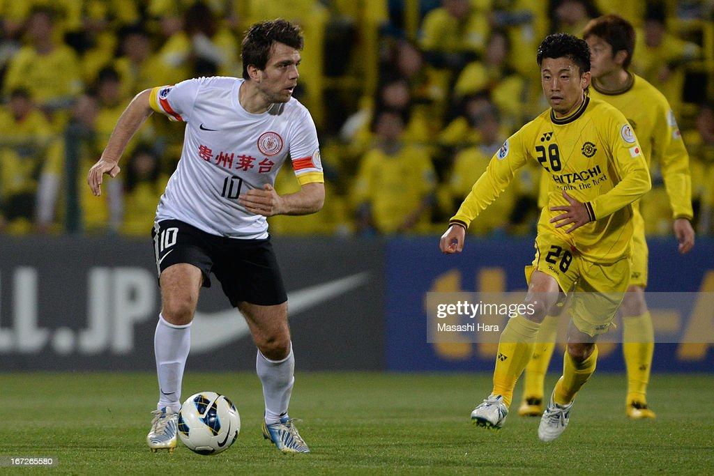 Zvjezdan Misimovic #10 of Guizhou Renhe in action during the AFC Champions League Group H match between Kashiwa Reysol and Guizhou Renhe at Hitachi Kashiwa Soccer Stadium on April 23, 2013 in Kashiwa, Japan.