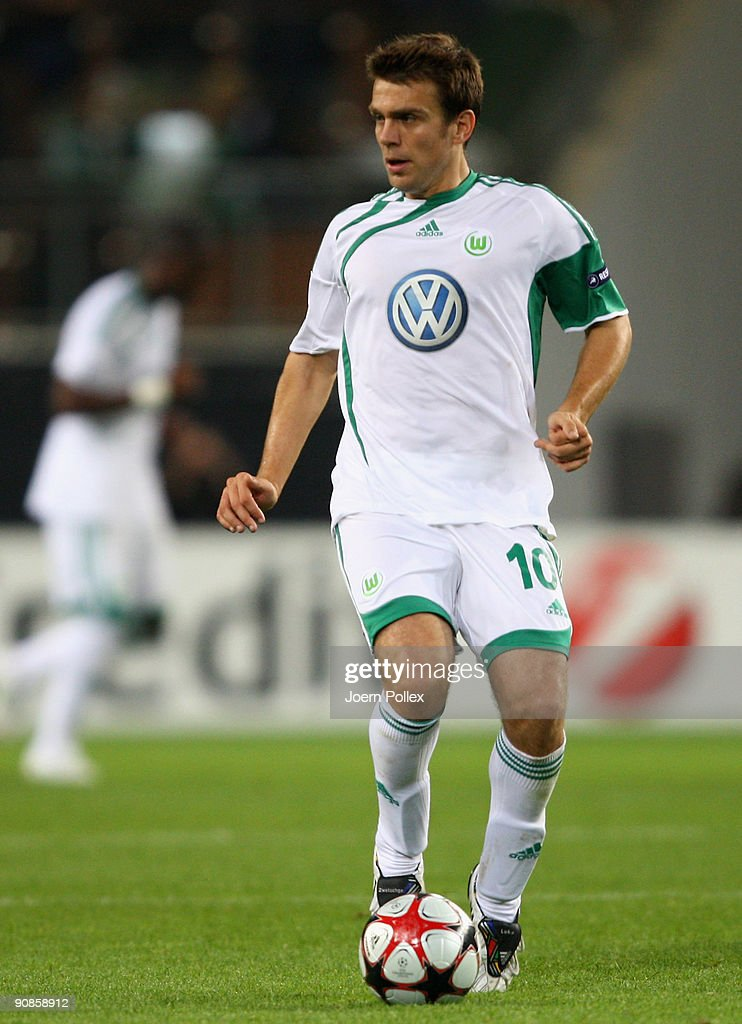 Zvjezdan Misimovic of Wolfsburg plays the ball during the UEFA Champions League Group B match between VfL Wolfsburg and CSKA Moscow at Volkswagen Arena on September 15, 2009 in Wolfsburg, Germany.