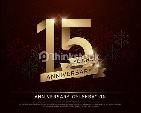 15 Anos Aniversario Celebracion Oro Numero Y Cintas Doradas Con