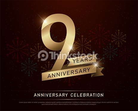 9 Anos Aniversario Celebracion Oro Numero Y Cintas Doradas Con