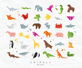 Set of animals color origami snake, elephant, bird, seahorse, frog, fox, mouse, butterfly, pelican, wolf, bear, rabbit, crab, shark, horse, fish, parrot, monkey, pig, turtle, penguin, giraffe, cat, pa