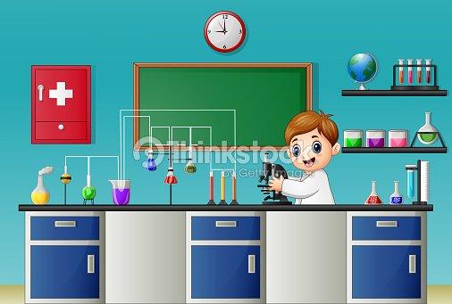 Niño De Dibujos Animados Experimentando Con Microscopio