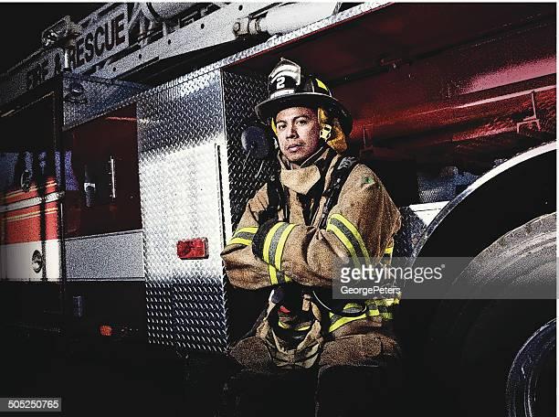 Feuerwehrmann und Feuerwehrauto