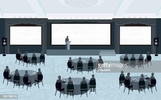 Grande conferenza con tre schermi
