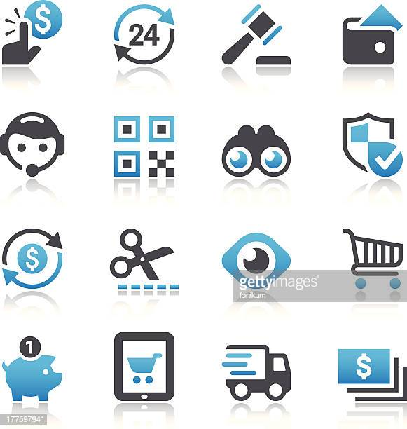 Set of shopping and e-commerce vector icons
