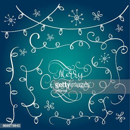 Conjunto de broche de oro vintage doodle guirnaldas, efectos de luces de decoración de Navidad. Vector de elementos de diseño. Luces brillantes para el diseño de la tarjeta de felicitación de vacaciones de Navidad. Caligrafía de Navidad feliz Letras texto sobre fondo azul : Arte vectorial