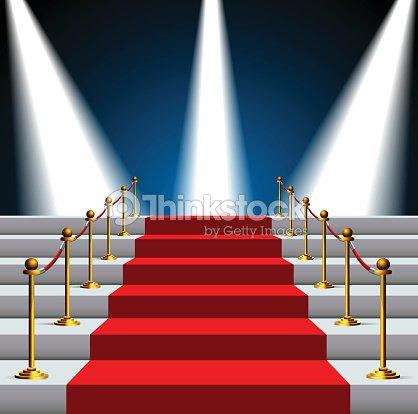 Escaleras cubierto con alfombra roja y cuerda de for Escaleras con alfombra