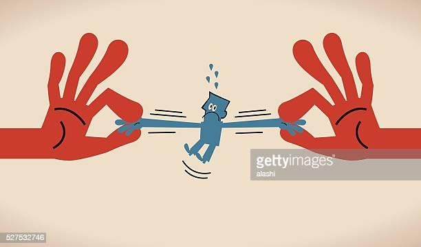 La concurrence mondiale (guerre) pour talents, les deux mains, tirez homme d'affaires