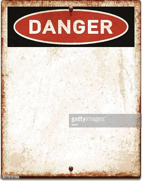 Verwitterte leere Plakat mit Gefahr text und screws_vector